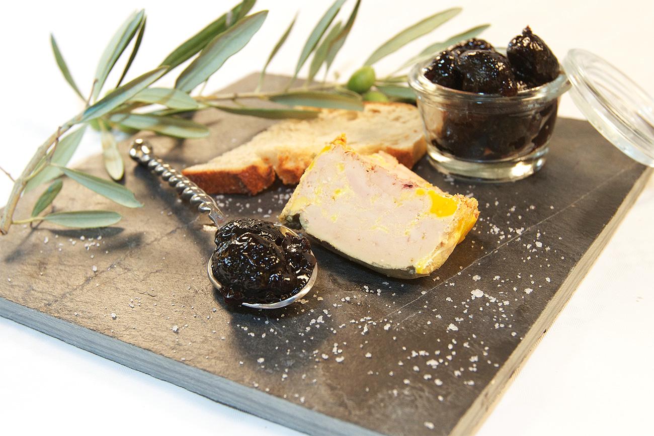 Foie gras mi-cuit et sa confiture d'olive gingembre
