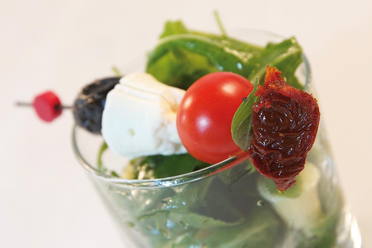 Alpilles Skewer and rocket salad