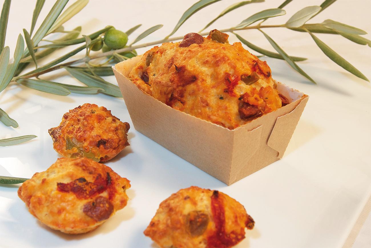 Les mini cakes jambon, olives et tomates séchées